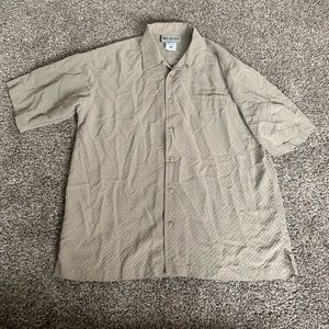 Men Columbia Button Down Shirt In Great Condition!